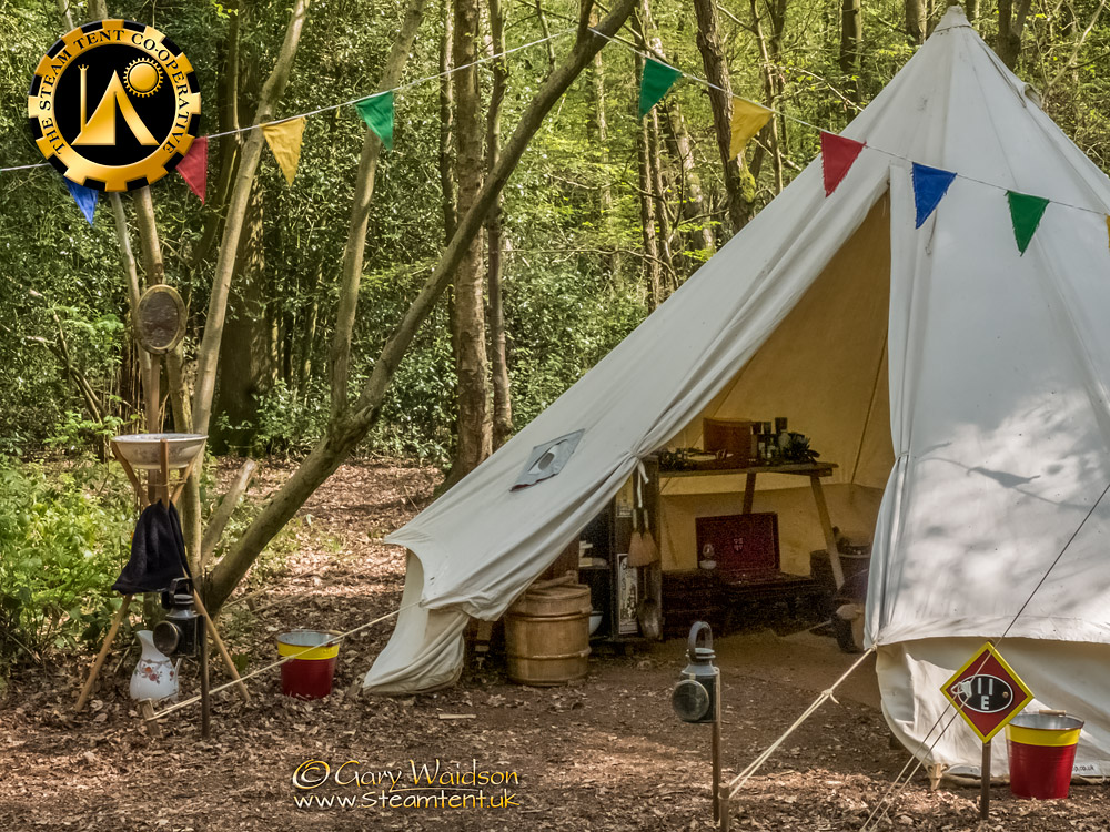 Bell Tent and Wash Stand - The Easter Tea Party 2019 - The Steam Tent Co-operative. © Gary Waidson - www.Steamtent.uk
